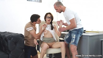 pretty secretary Michelle is getting doublefucked during a lunch break